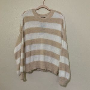 Wild Fable Fuzzy Pullover beige and white Medium
